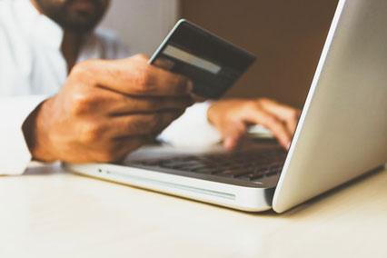 Millionen Akzeptanzstellen - Online und Offline